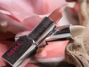 Lipcare trattante labbra all'acido ialuronico